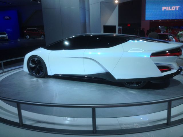 Next generation Honda fuel cell vehicle prototype at the 2014 Detroit Auto Show.