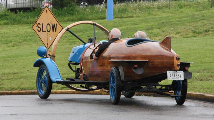 1932 Helicon; seats 3, rear staring, propeller-driven. Normal-ish. Photo by Yalon.